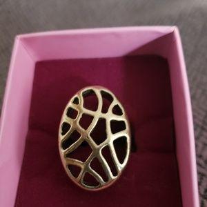 Jewelry - Abract ring